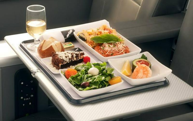 American Airlines food and drinks