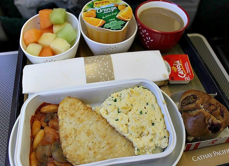 Cathay Pacific food and drinks