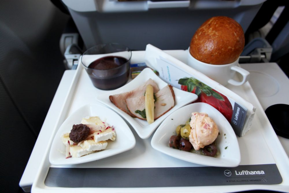 Lufthansa food and drinks
