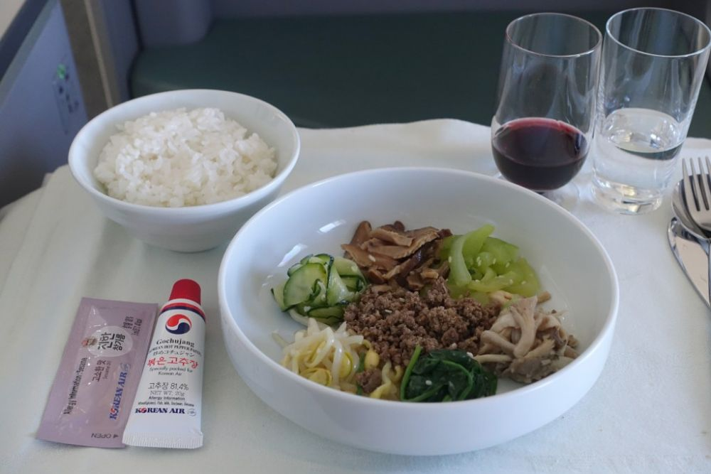 Korean Air food and drinks